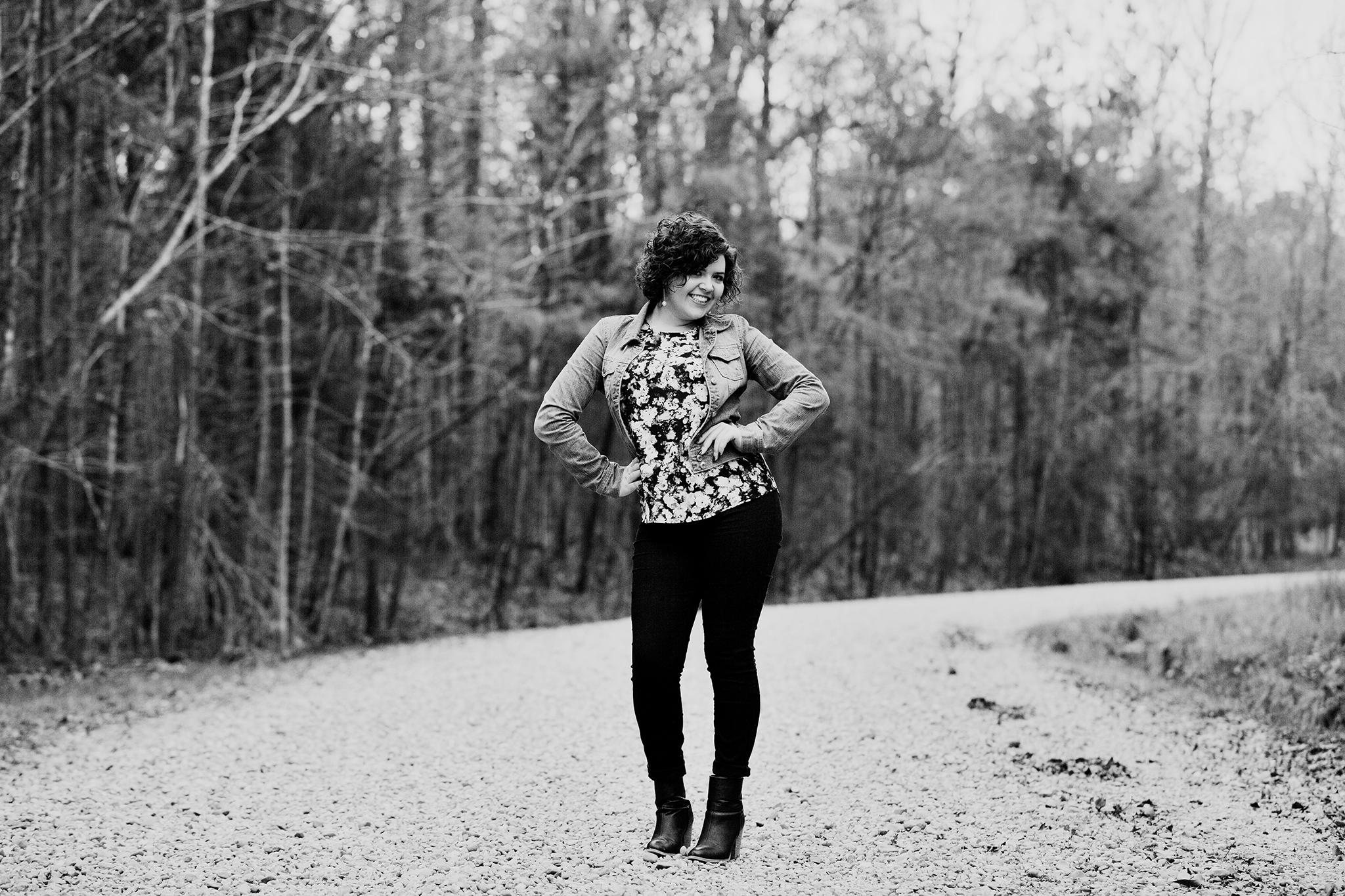 Emmy Robertson Senior Portrait Session© Nikki McKenzie Photography