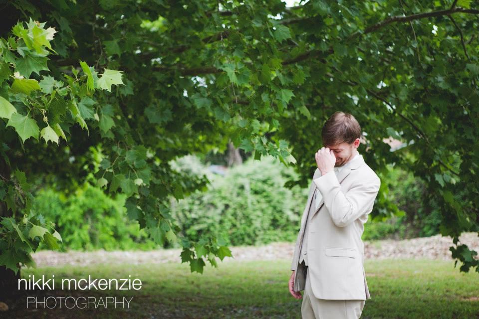 first-look-the-venue-hattiesburg-ms-wedding-photographer
